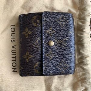 Louis vuitton wallet gently used